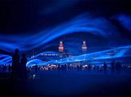 夏日黄昏现代城市建筑美景图片