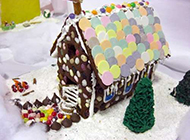 漂亮的圣诞节姜饼屋糕点图片