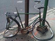 骑自行车的神人搞笑图片