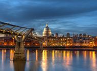 英国伦敦千禧桥夜景摄影