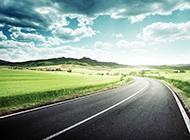 宽敞公路唯美意境风景高清图片