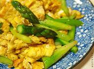 简单好味道的黑椒芦笋炒鸡蛋
