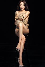 模特王凌宇大胆人体艺术摄影图片