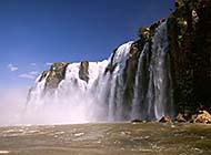 咆哮而下的瀑布壮丽风景高清壁纸