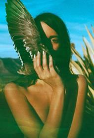 个性大胆美女人体艺术写真