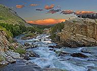 清澈自然的溪流瀑布唯美绿景