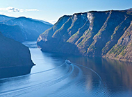 峡谷深处美丽河流精美图片