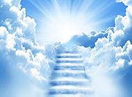 纯白唯美的蓝天白云风景图片