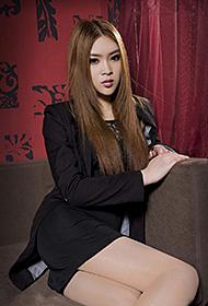 制服美女Model允儿丝袜撩人写真
