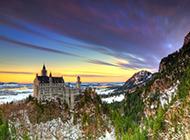 外形独特的巴伐利亚新天鹅堡风光图片