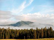 美丽的深山云雾风景图片