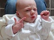 这表情不是一般宝宝能做到的啊
