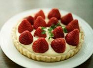 浪漫的草莓甜点味道香甜诱人