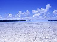 蔚蓝海滨美景护眼壁纸