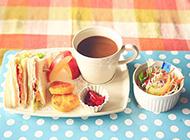 下午茶美好时光有三明治和咖啡相伴
