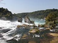 瑞士壮观莱恩瀑布风景高清图片