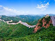 蜿蜒曲折的中国长城风景图片