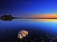 蔚蓝天空日落风景高清图片