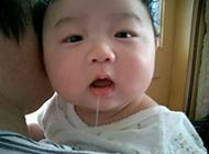 宝宝流口水搞笑表情图片