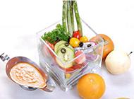 营养健康的水果蔬菜沙拉图片