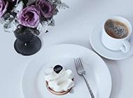 果腹美食奶油蛋糕加咖啡