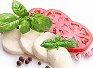 新鲜的番茄奶酪沙拉图片