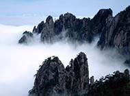 云雾中的山川精美图片
