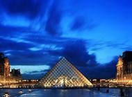 卢浮宫金字塔壮丽风光壁纸
