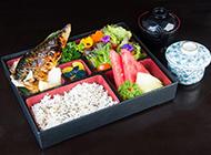 日式便当料理新鲜美味