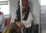 恶搞名人图片之有点晕船,换搭地铁了