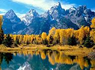波光粼粼的湖面高清风景图片