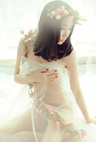 少女透明薄纱唯美人体艺术写真