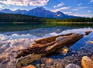 绝美无比的湖泊山水图片