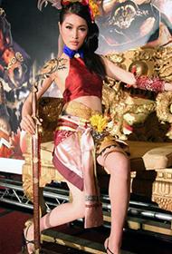 名模Amber游戏人物人体彩绘组图