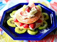 垂涎欲滴的草莓猕猴桃松饼