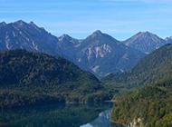 阿尔卑斯山脉风景图片绿色壁纸