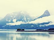 山峰云雾缭绕风景图片欣赏