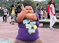 犀利哥搞笑图片 胖胖版本的奥特曼