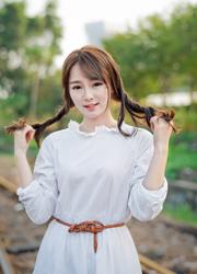 台湾清纯气质少女甜美人体写真