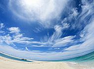 夏日碧海蓝天的冲绳岛美景高清图