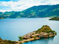 云南高山湖泊风景如画优美