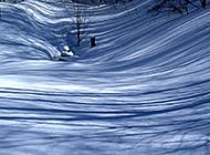 冬季郊区山雪美景图片
