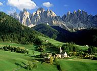 阿尔卑斯山夏日美景桌面壁纸