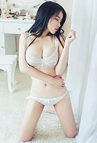 性感美模白色内衣私房写真
