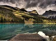湖中的木桥图片唯美图片