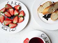 草莓面包红茶下午茶果腹点心