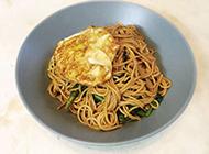 黄金鸡蛋拌面 无敌金牌午餐