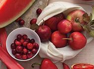 漂亮的红色水果拼盘精致好看
