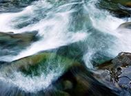 大气磅礴的瀑布风景高清壁纸
