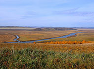 最美秋天平原风景图片